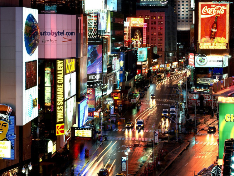 У Луцьку планують підвищити плату за послугу користування місцем для реклами