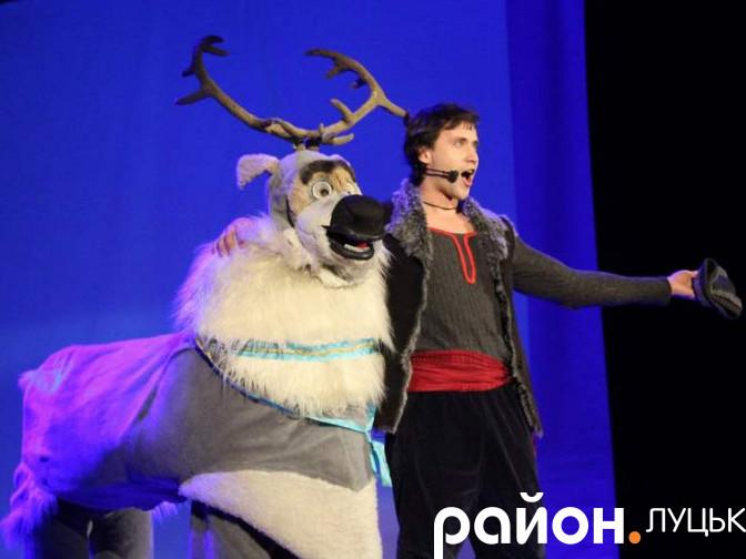 У драмтеатрі показали виставу «Холодне серце»