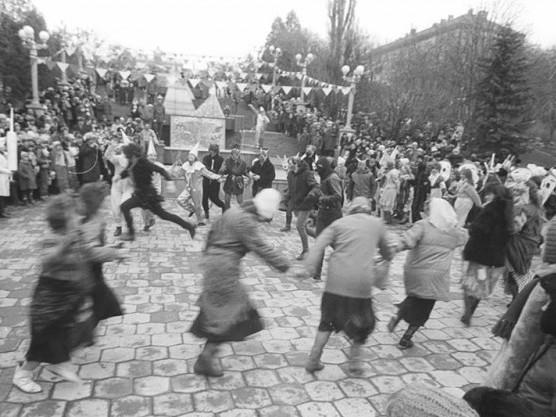 Веселі танці на Свято зими у Луцьку