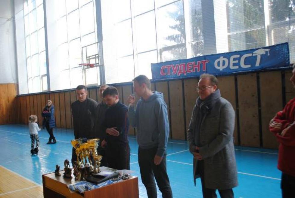Нагородження юних футболістів у спорткомплексі СНУ ім. Лесі Українки