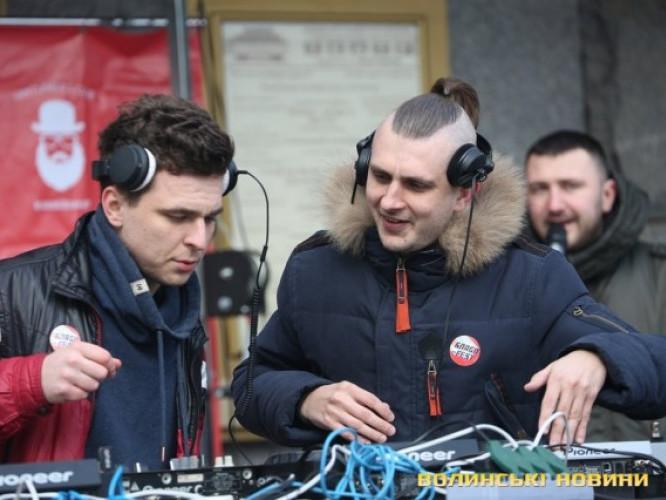 Благодійний DJ-парад NON-STOP