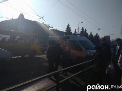 На вулиці Ковельській автомобіль збив 14-річну дівчину