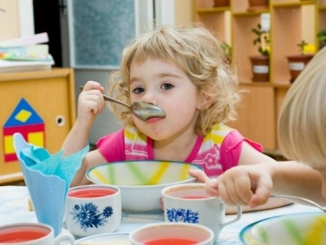 У Луцьку перевірять якість харчування у дитсадках