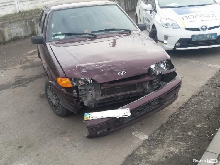 Автомобілі зазнали механічних пошкоджень