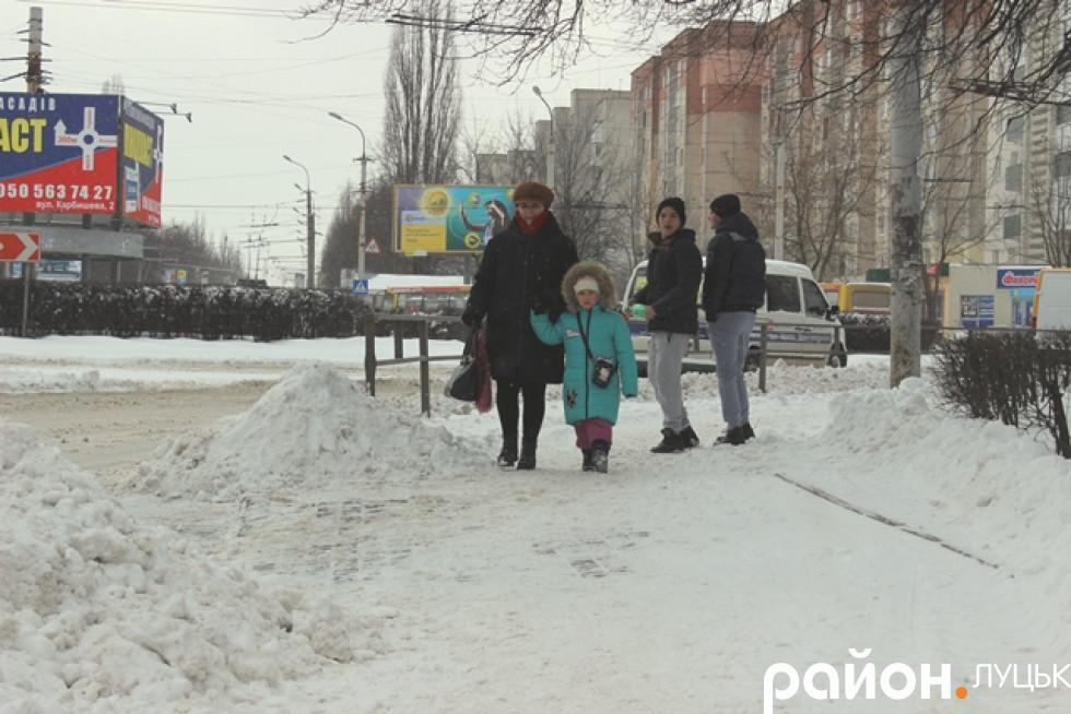 На вулицях - купи снігу