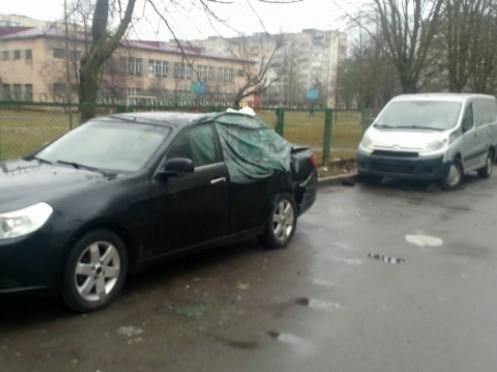 Пошкоджені автівки
