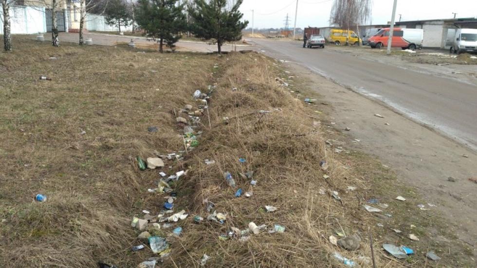 Відвідувачі залишають гори сміття