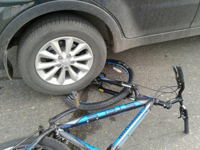 Бус збив хлопчика на велосипеді
