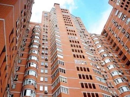 Клієнти цікавляться житловими багатоквартирними будинками, розташованими поряд з транспортним сполученням і соціальною інфраструктурою