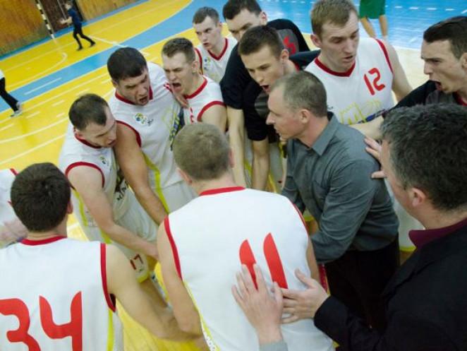 Гравці «Старого Луцька» після драматичної перемоги над «Тернополем»