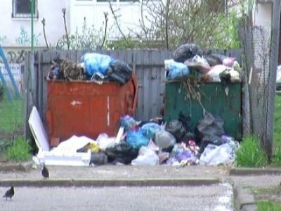 Мешканці будинку №32, на вулиці Соборності скаржаться на роботу комунальників