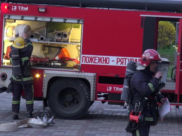 Рятувальники провели навчання в драмтеатрі