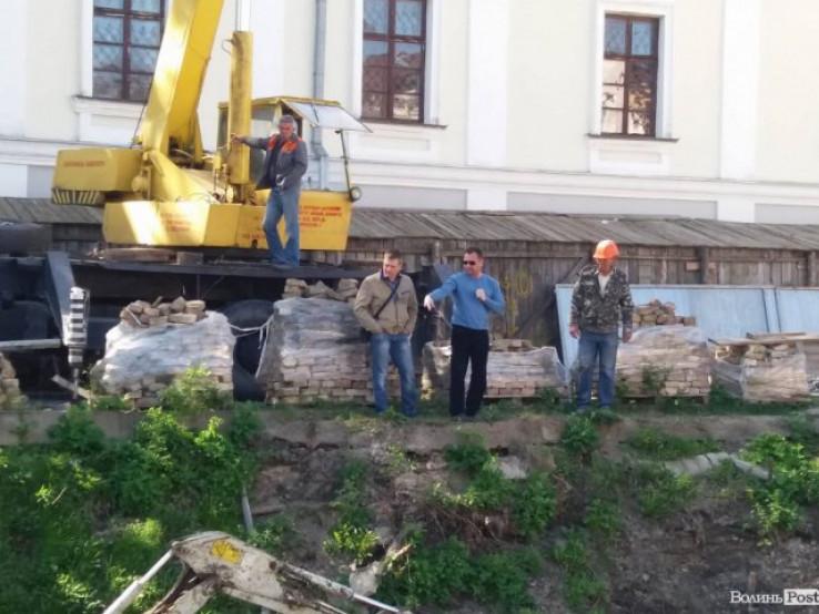 У Старому місті пробували відновити скандальне будівництво