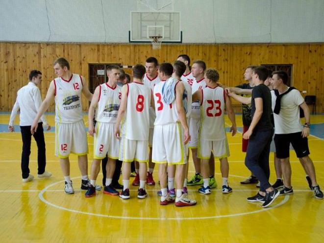 Радість гравців «Старого Луцька» після перемоги у першому матчі фінальної серії
