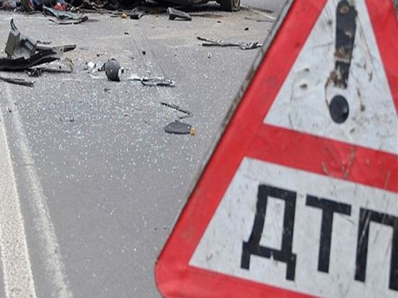 Водій та пасажир отримали травми