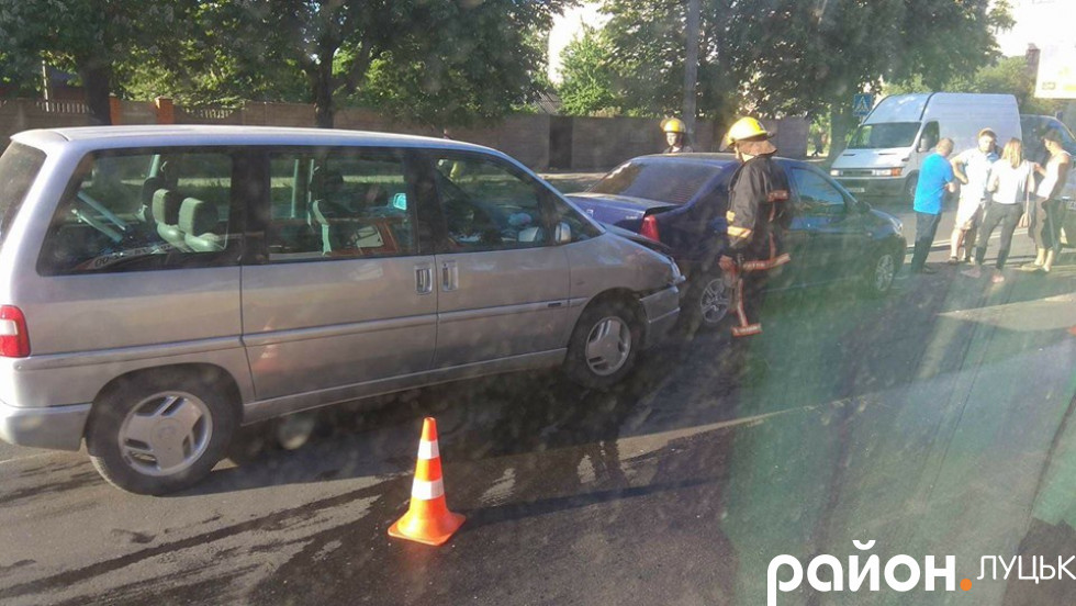 Ймовірно, водій «Citroen» не дотримався безпечної дистанції