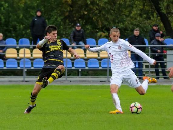 Олег Марчук (зліва) - один з небагатьох у складі «Волині, хто уже грав проти «Руха» цього сезону