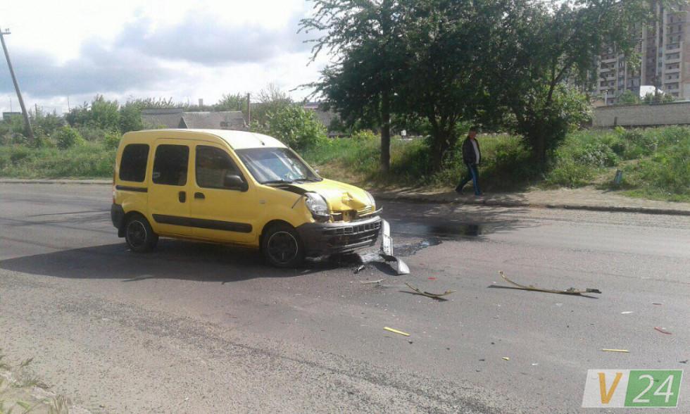 Обидві машини зазнали механічних ушкоджень.