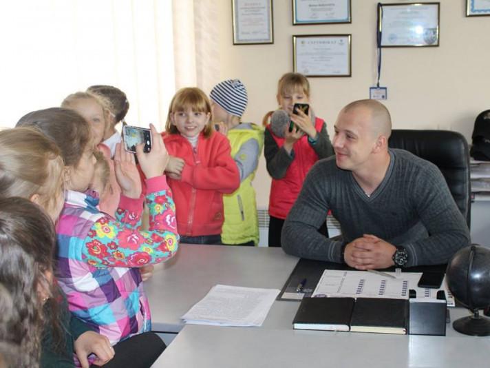 Діти відвідали екскурсію в патрульній поліції