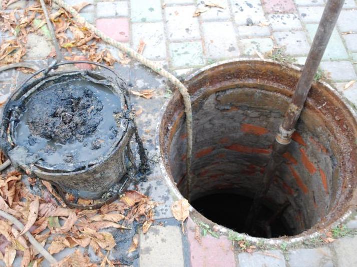 Нечистоти у Луцьку