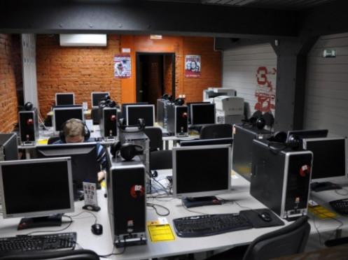 Інтернет-клубам хочуть заборонити працювати цілодобово