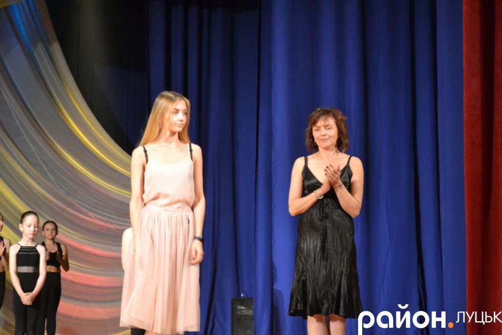 Олександра (зліва) та Олена (справа) Бурби