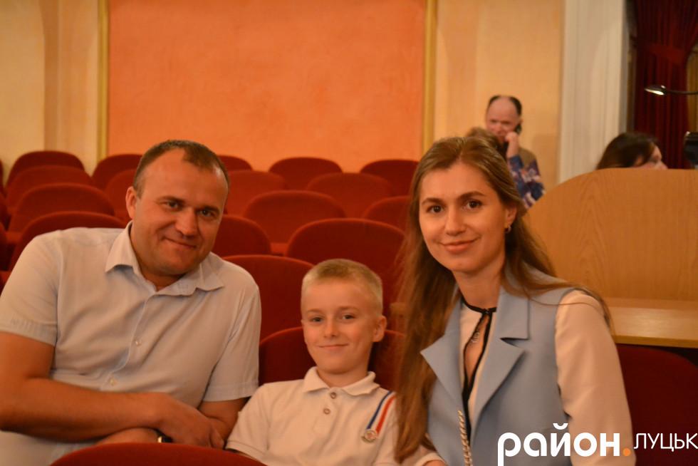 Петро Нестерук разом з дружиною
