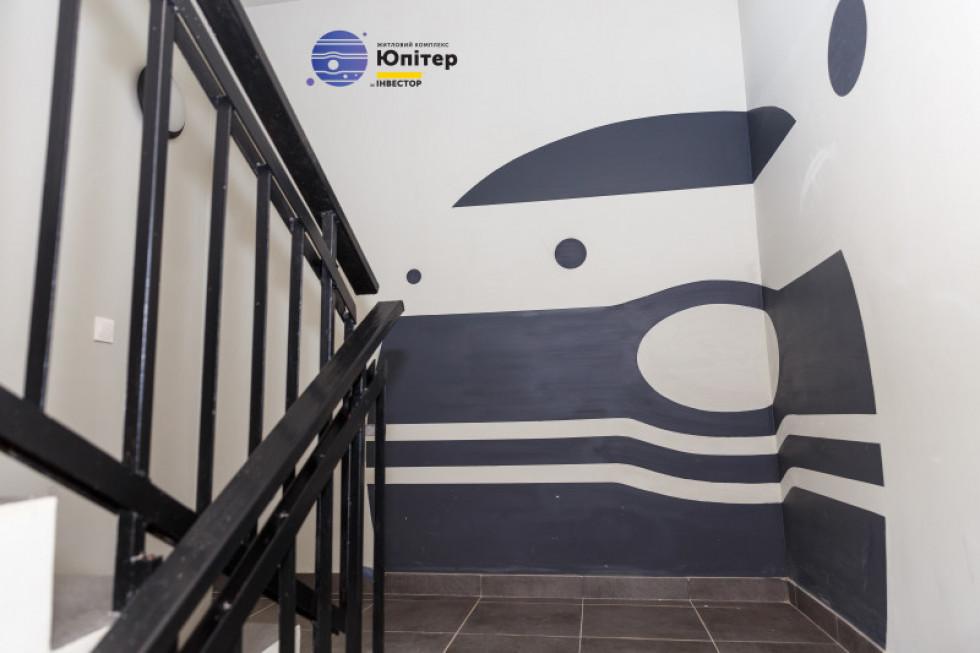 Оригінальні стіни у житловому комплексі