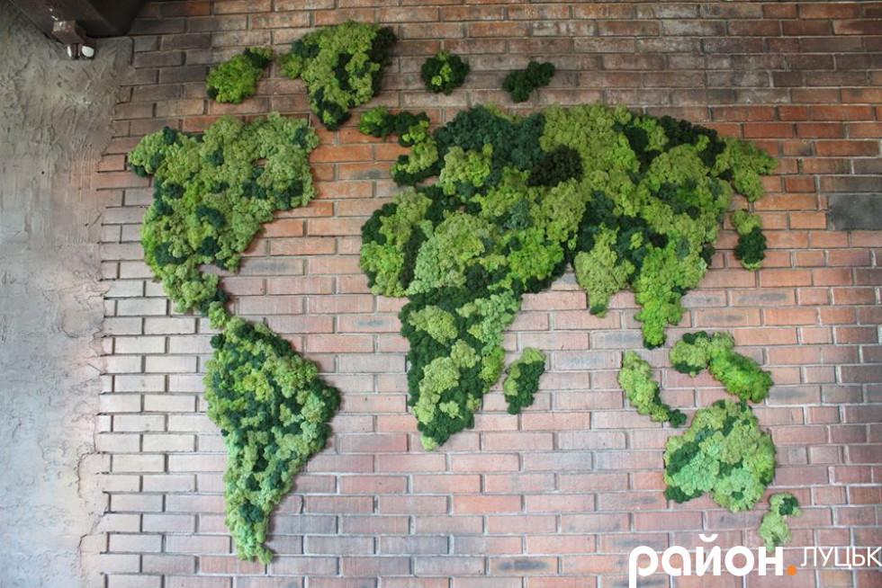 Карта світу в ресторації маєтку «Nester House»