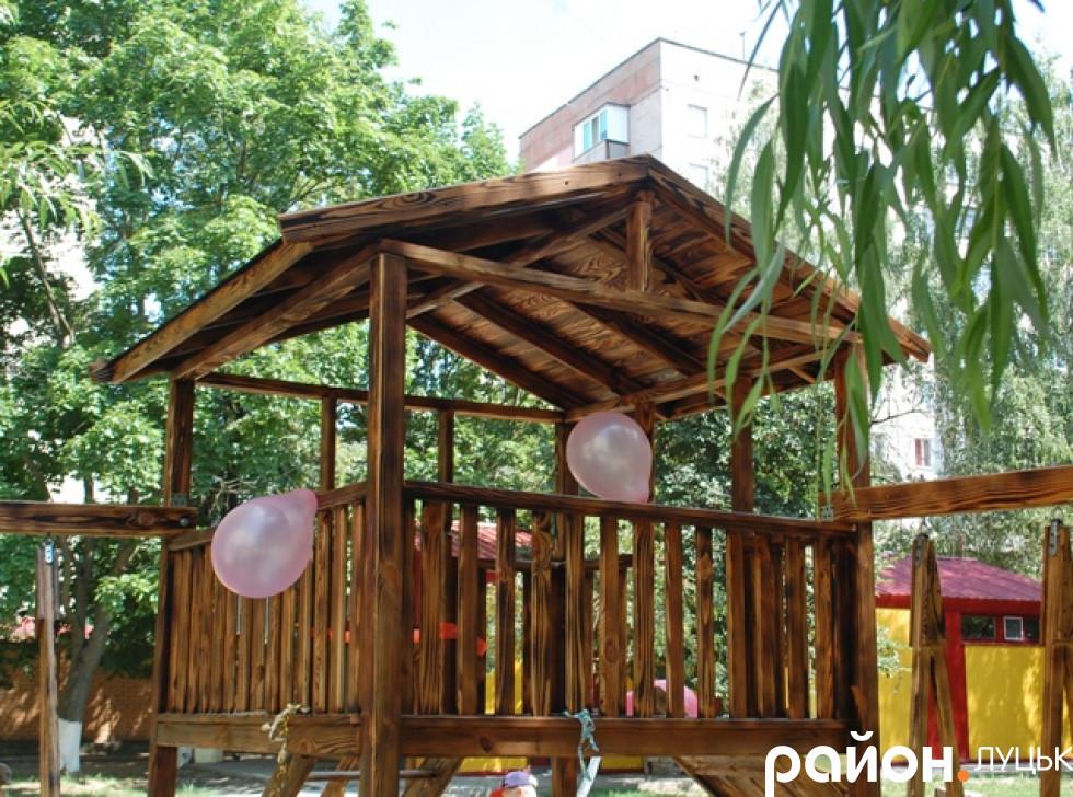 Будиночок для дітвори двору