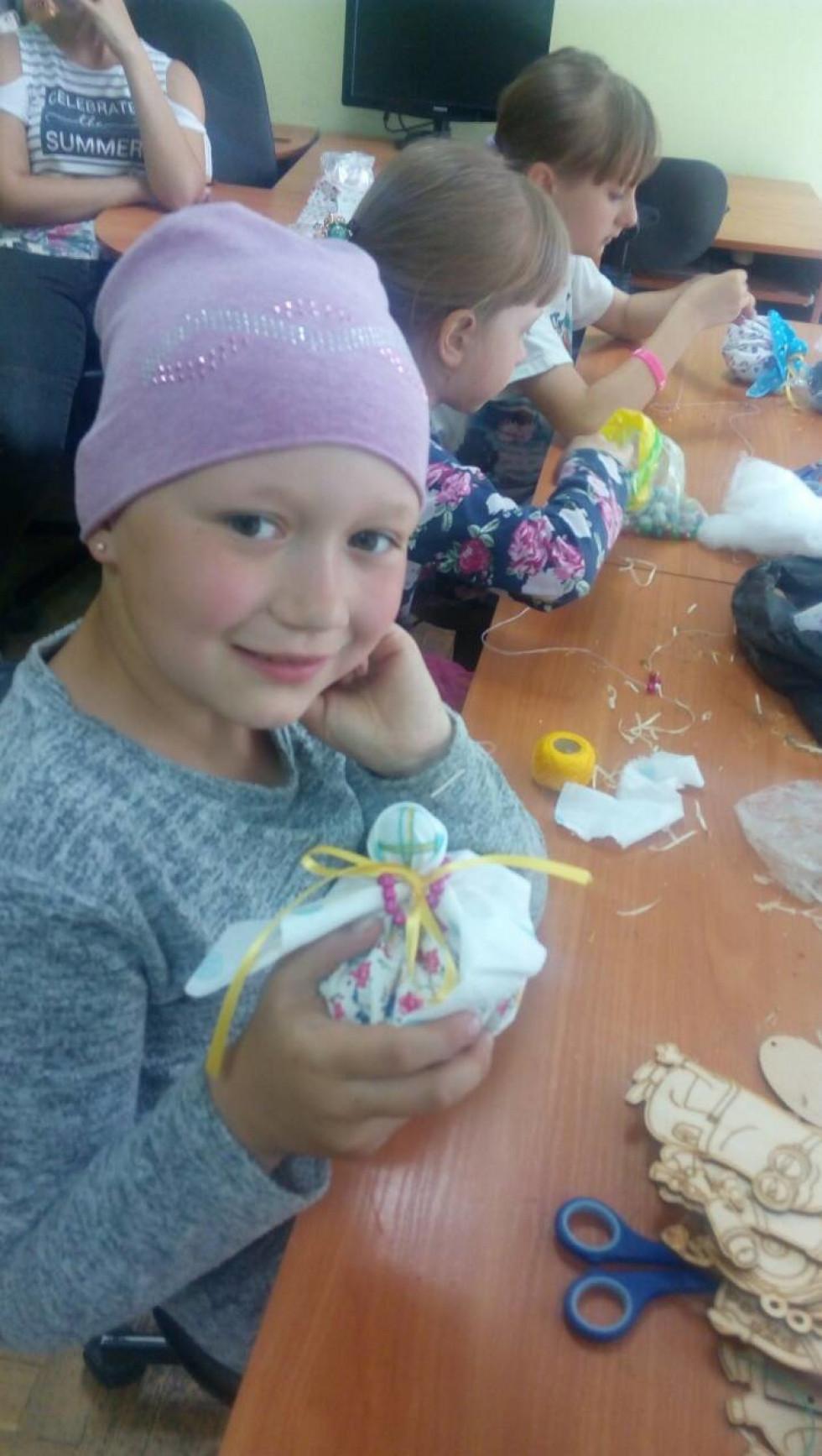 Діти виготовляли ляльки-мотанки