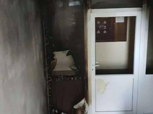 Обгорілі стіни в будинку