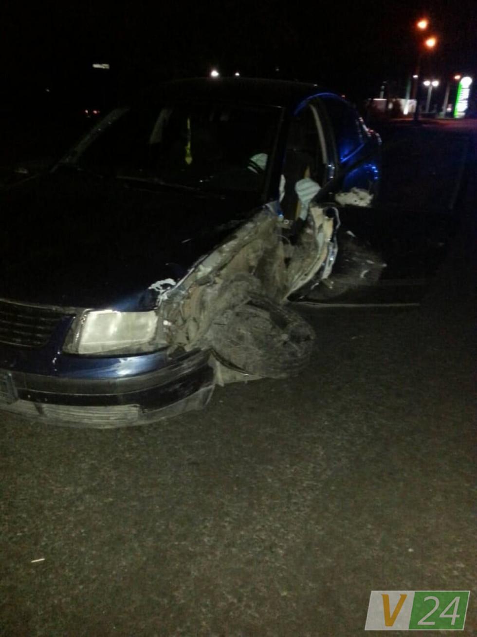 Розбита бокова частина авто