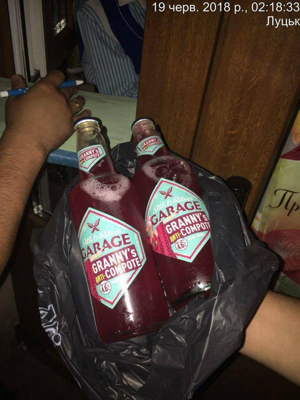Продавчиня продала дві пляшки алкоголю вночі