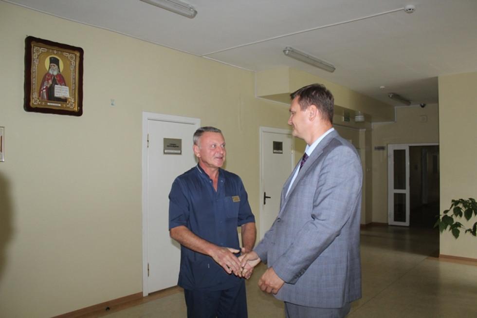 Головний лікар Луцького пологового будинку Михайло Токарчук від імені всього персоналу подякував благодійникам
