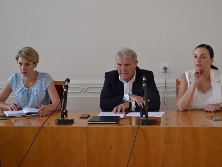 У Луцькому районі планують реконструювати приміщення під амбулаторії