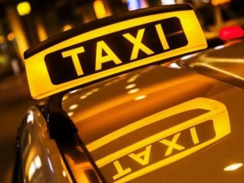 Луцький таксист розповів, як повертав іноземцям ноутбук