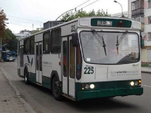Тролейбус №15