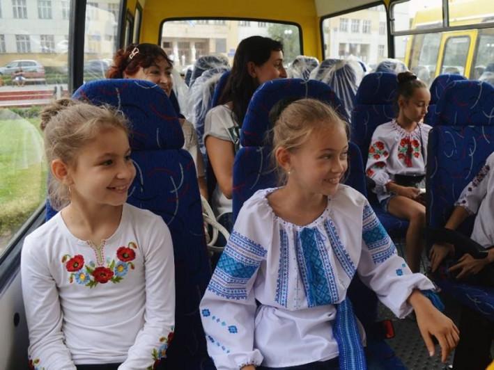 Діти в маршрутці