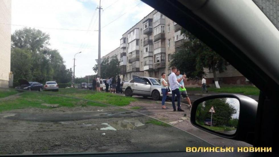Обидві автівки отримали ушкодження