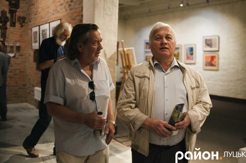 Директор-художній керівник Анатолій Глива (справа), головний режисер Михайло Ілляшенко (зліва)
