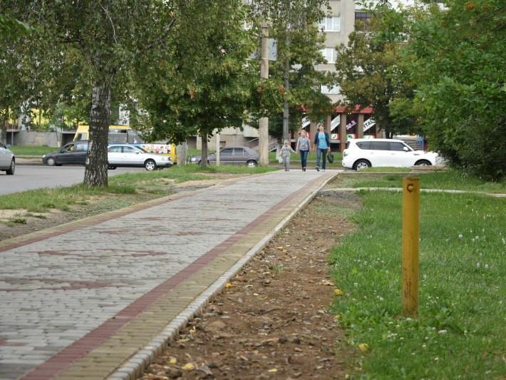 У Луцьку триває ремонт доріг та прибудинкових територій