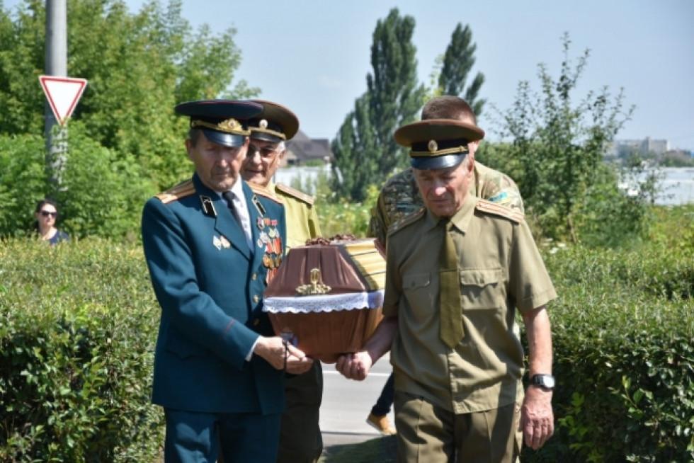 останки солдата перепоховалина меморіалі на Львівській