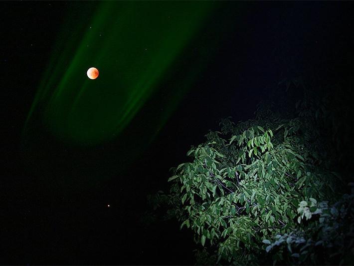 Місячне затемнення в лазерній хмарі
