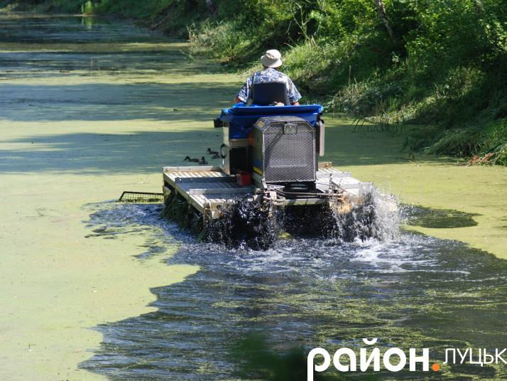 Траксор у Центральному парку Луцька