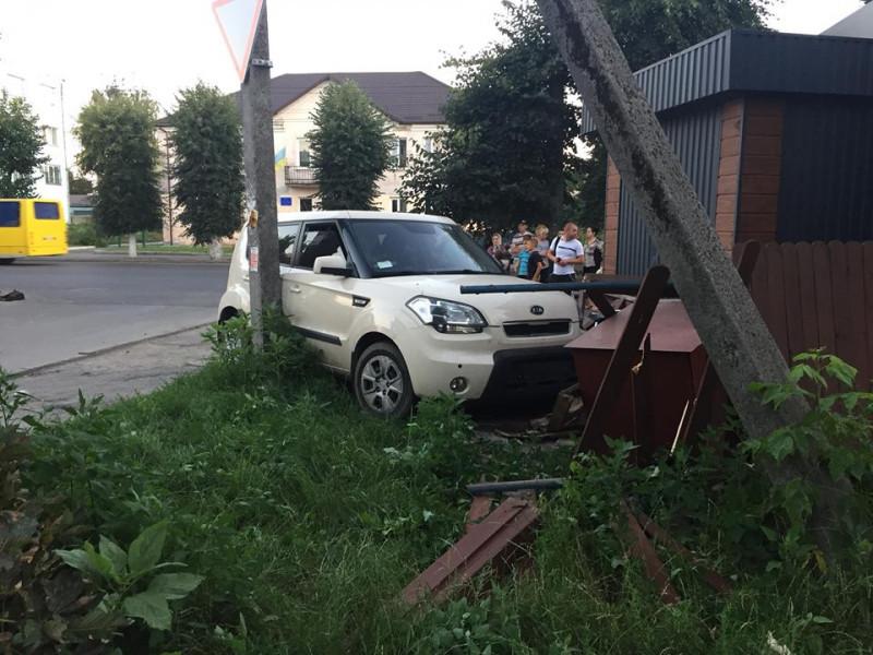 Аварія в Луцьку на вулиці Ковельській