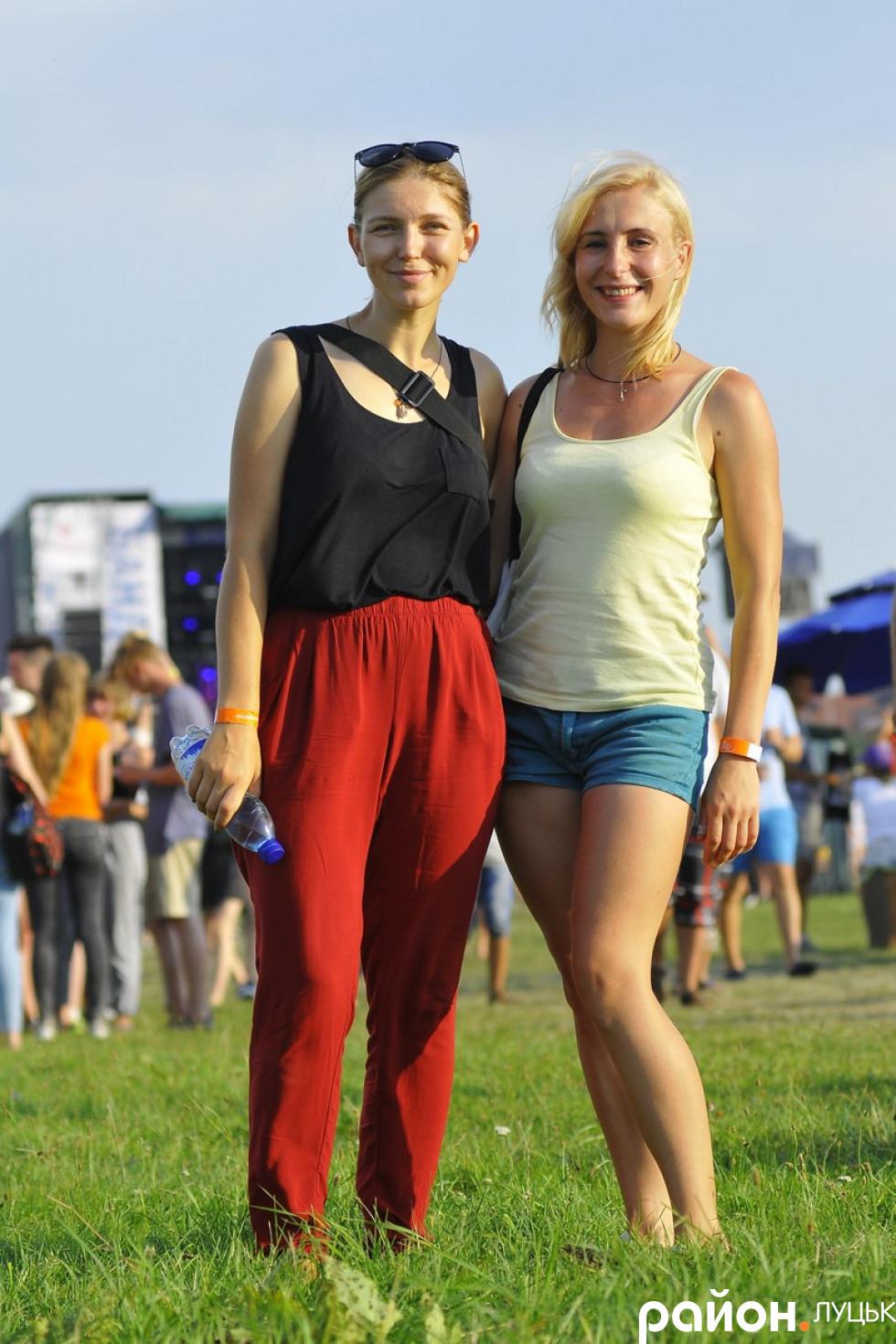 Волонтер Ірина Гладун та учасниця АТО Майя Москвич