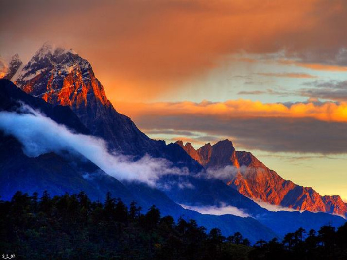Лучанин піднявсь на вершини чотирьох континентів світу