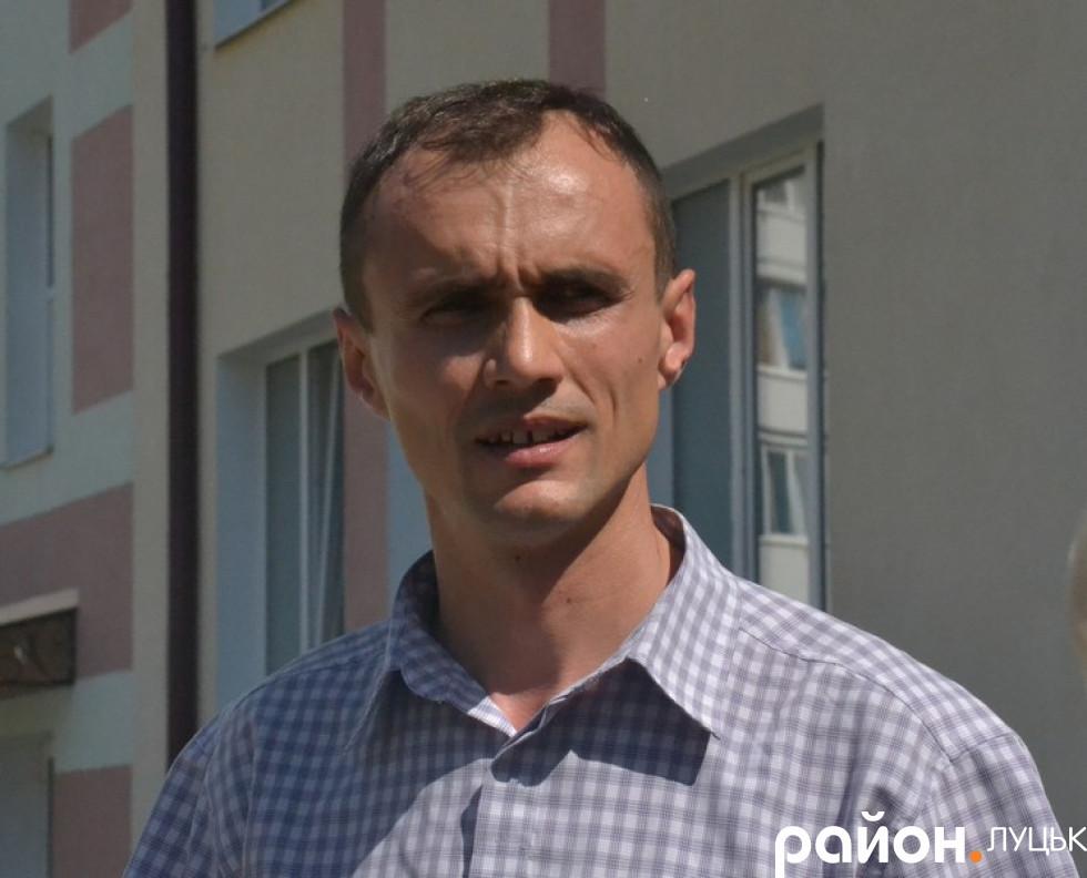 Директор школи Віталій Бондар