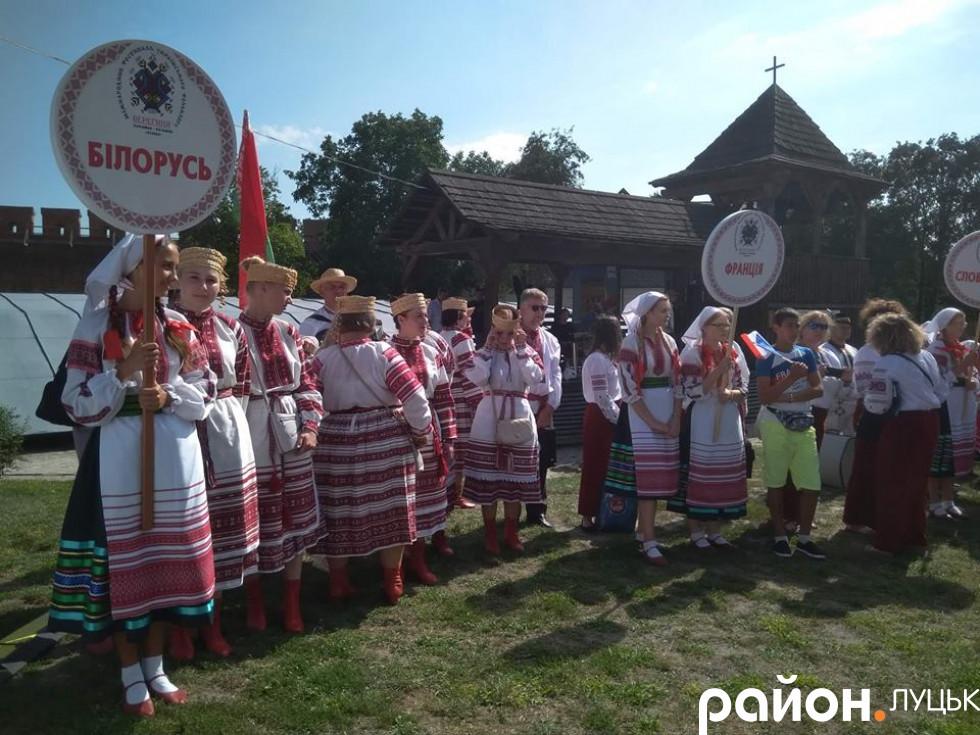 Учасники фестивалю з Білорусі і Франції